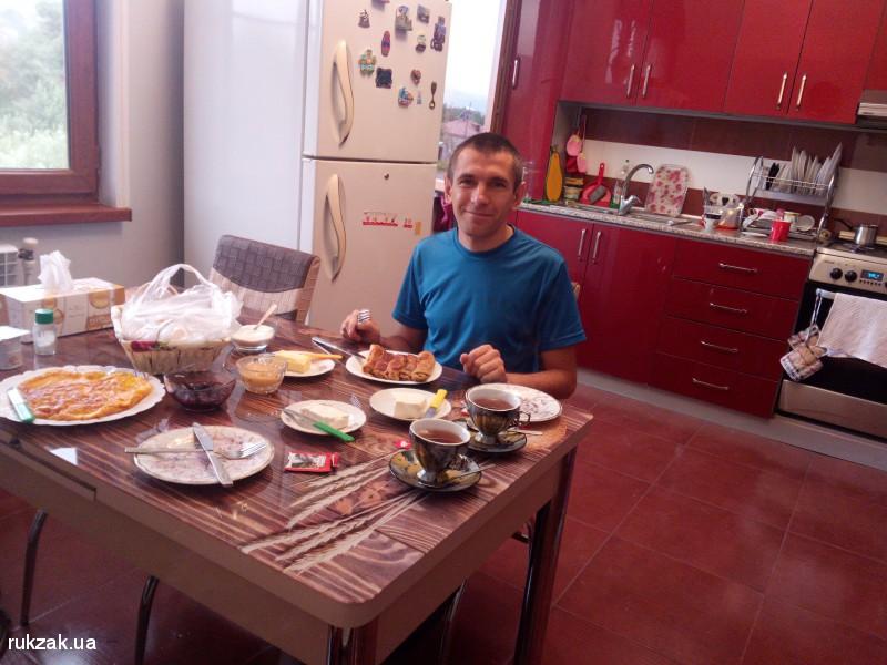 Завтрак в Гарни, Армения